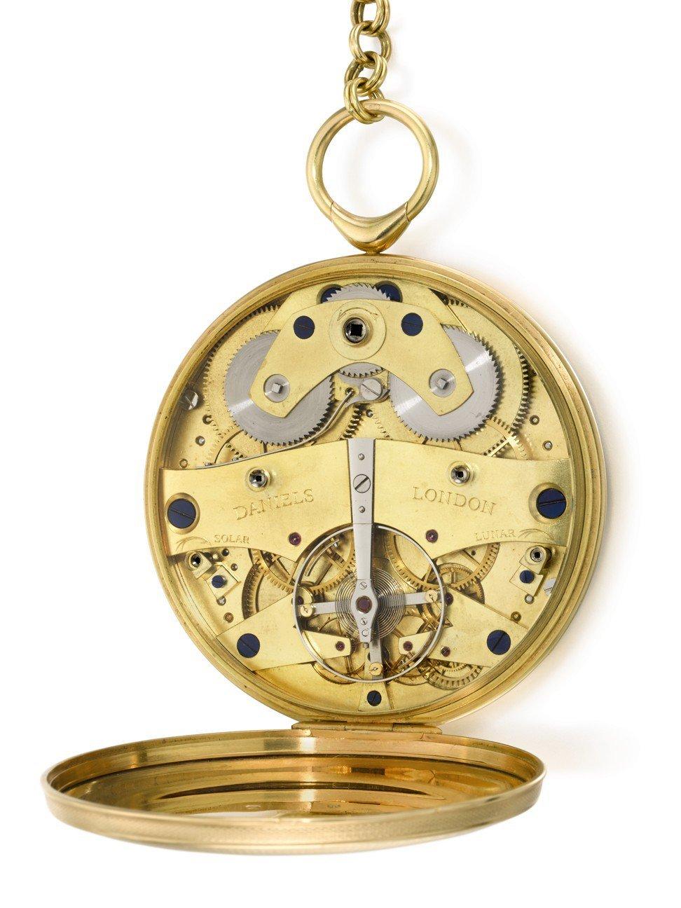 Chiếc đồng hồ cũ quý hiếm giá hơn 106 tỷ