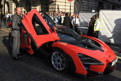 'Người vận chuyển' lái siêu xe đến ra mắt bom tấn 'Fast & Furious: Hobbs & Shaw'
