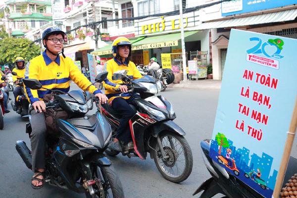 Ứng dụng gọi xe be nỗ lực nâng cao ý thức giao thông cho tài xê