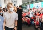 Fan Việt nhuộm đỏ sân bay, đón 'vị thần phương Đông' Kim Jae Joong