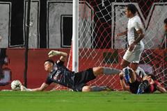 Đặng Văn Lâm cứu thua đẹp nhất vòng 19 Thai League