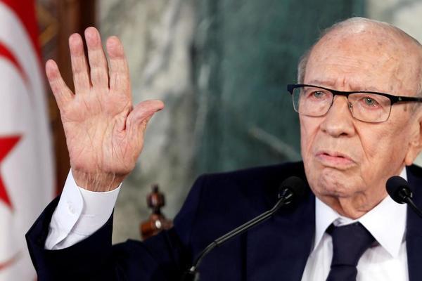 Tổng thống Tunisia bất ngờ qua đời