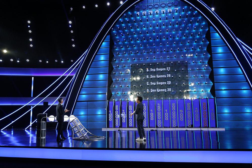 Vợ chồng Công Vinh, Thủy Tiên mất hơn 500 triệu tiền thưởng vì quá an toàn