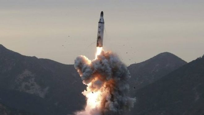 Kim Jong Un trực tiếp giám sát vụ phóng tên lửa mới nhất