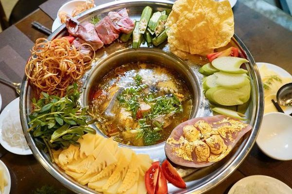 Học giới nhà giàu Dubai, dân chơi Việt chi bội tiền thưởng thức món ăn dát vàng