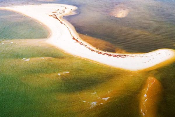 Cồn cát có hình thù kỳ lạ mới xuất hiện trên biển Hội An