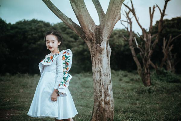 Trương Bảo Anh lại đốn tim người hâm mộ trong loạt ảnh bảo vệ môi trường