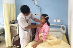 Cô gái Hải Phòng hóc thịt bò phải nhập viện cấp cứu