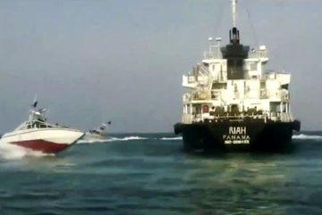 Iran bất ngờ thả 9 thủy thủ của tàu dầu bị bắt