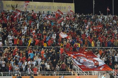 """Từ """"chung kết sớm"""", V-League hồi sinh vì """"bóng đá trân trọng"""""""