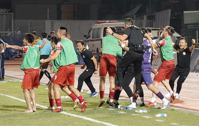 CLB Hà Nội,CLB TPHCM,V-League,Quang Hải
