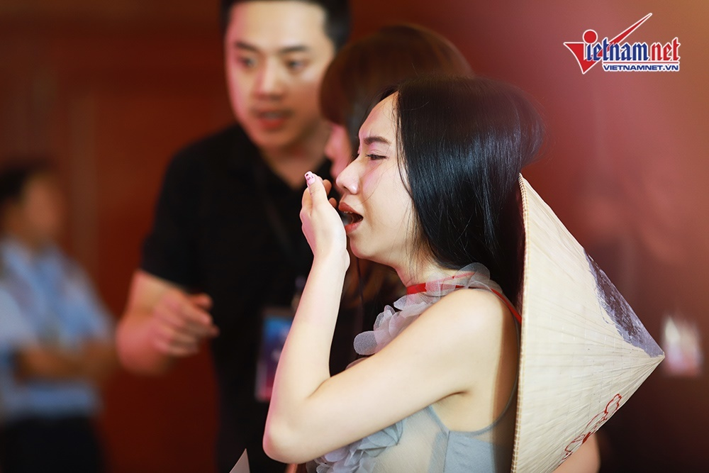 Fan nữ xinh đẹp bật khóc nức nở khi thấy Kim Jae Joong bằng da bằng thịt