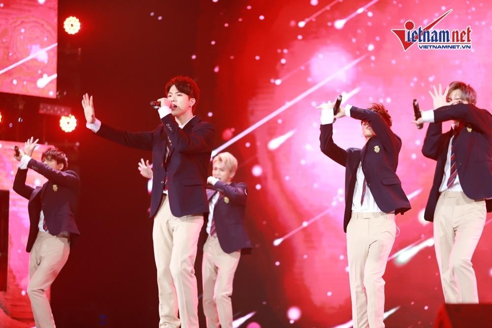 V HEartbeat,Hyomin,Hoàng Thùy Linh,Kim Jae Joong,Sao Hàn