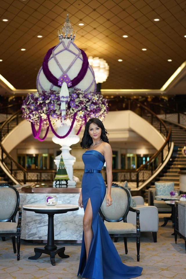 H'Hen Niê làm phù dâu trong đám cưới Hoa hậu Hoàn vũ Thái Lan