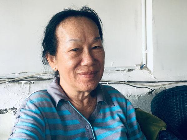Bà Muối cho biết, bà muốn sang Đài Loan, đến nhà con rể hỏi cho rõ chuyện con gái mất tích và nhờ các cơ quan chức năng bên đó tìm con nhưng đến nay vẫn chưa làm được visa. Ảnh: Tú Anh.