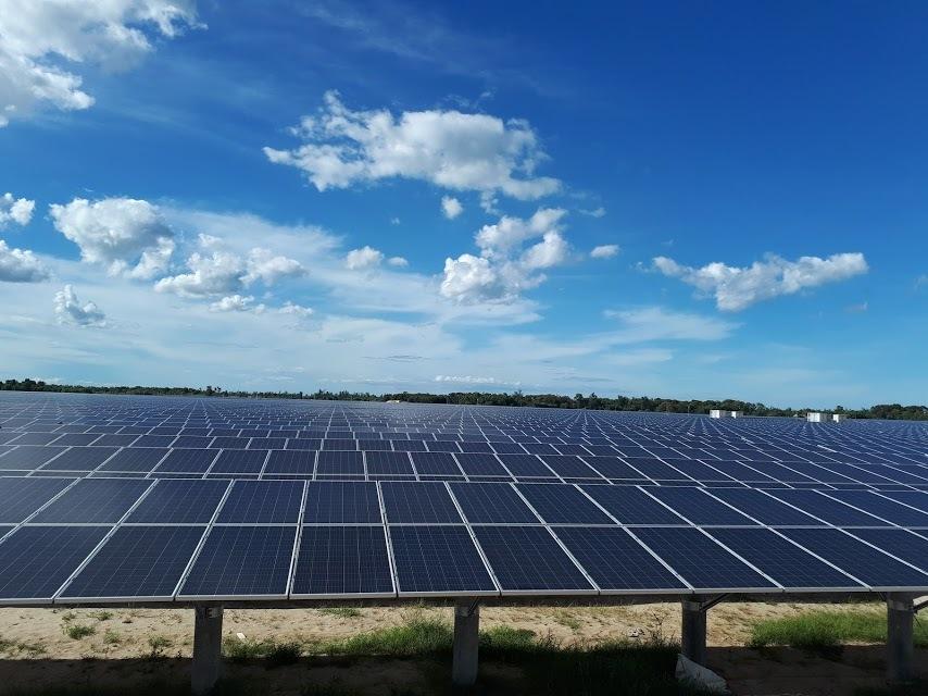 Giá mua điện năng lượng mặt trời 2.156đ/kwh