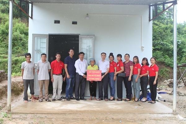 Bàn giao 'Ngôi nhà mơ ước' cho 2 gia đình ở Lai Châu