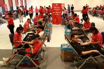 Hàng vạn người tham gia ngày hội hiến máu lớn nhất nước