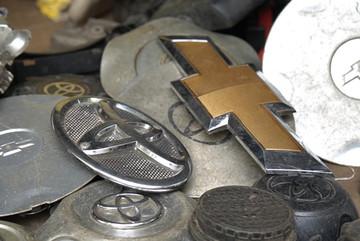 Khám phá chợ Trời, nơi bán đồ cũ kỳ lạ nhất Hà Nội