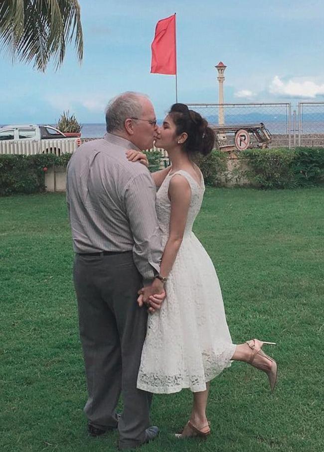 Showbiz xôn xao vì những người đẹp ly hôn bởi chuyện 'chăn gối'