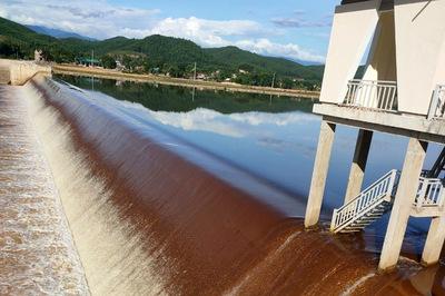 Bộ NN&PTNN vào cuộc vụ nước kênh ở Hà Tĩnh chuyển màu bất thường