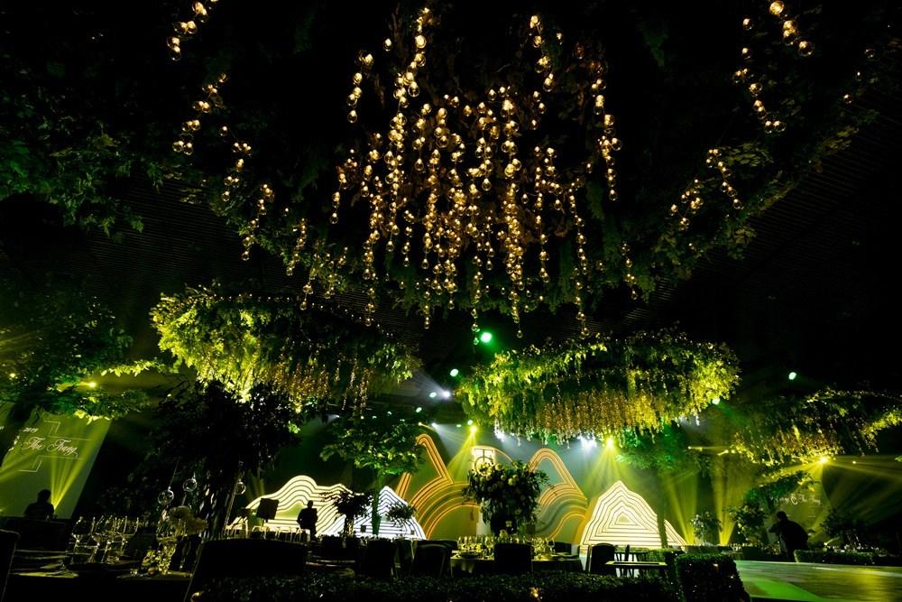 Không gian cưới như khu rừng của Cường Đô La và Đàm Thu Trang
