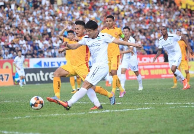 Chiếu chậm trận thắng 'điên rồ' của HAGL trước Thanh Hoá