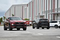 VinFast 'chơi trội' cho khách hàng kiểm định, tự lái xe xuất xưởng