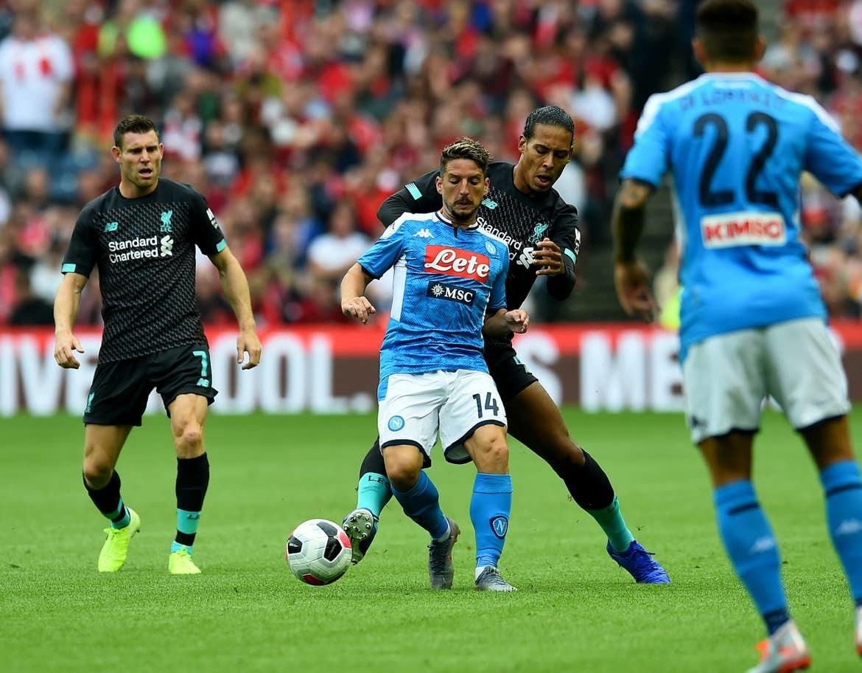 Liverpool thảm bại 0-3 Napoli, mất uy nhà vô địch C1