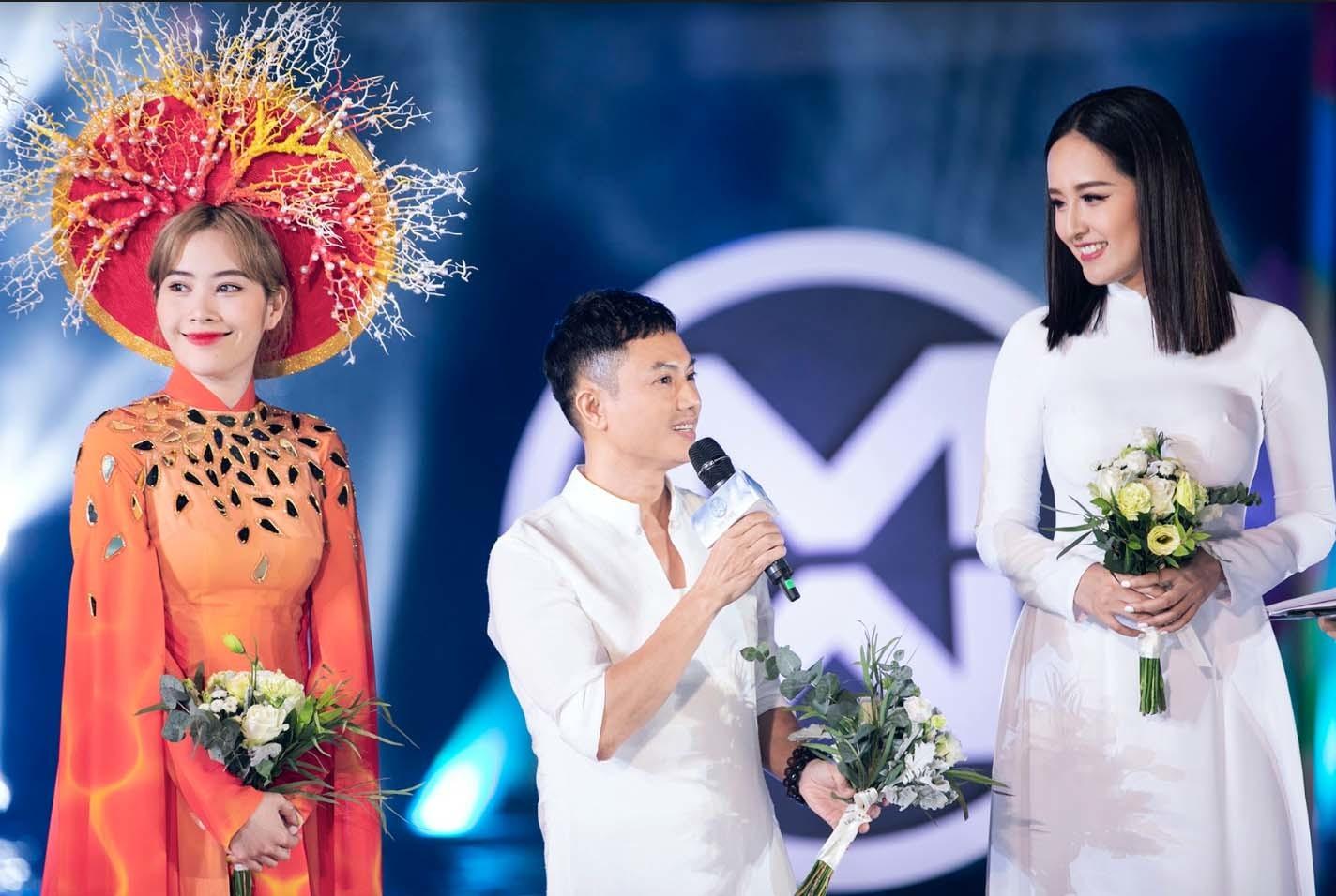 Mai Phương Thuý cắt tóc, diện áo dài trắng nổi bật bên dàn thí sinh hoa hậu