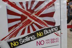 Nhật-Hàn căng thẳng, nhiều xe ô tô Nhật Bản bị người Hàn Quốc tạt kim chi