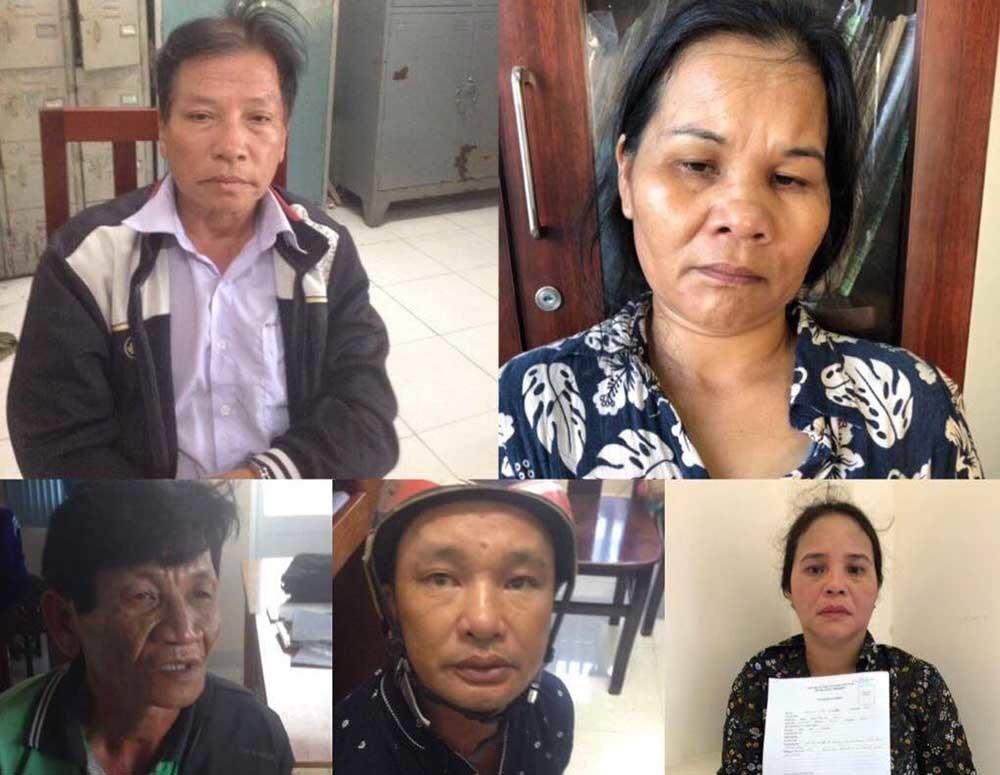 Bắt 2 chị em cầm đầu băng móc túi trên xe buýt ở Sài Gòn