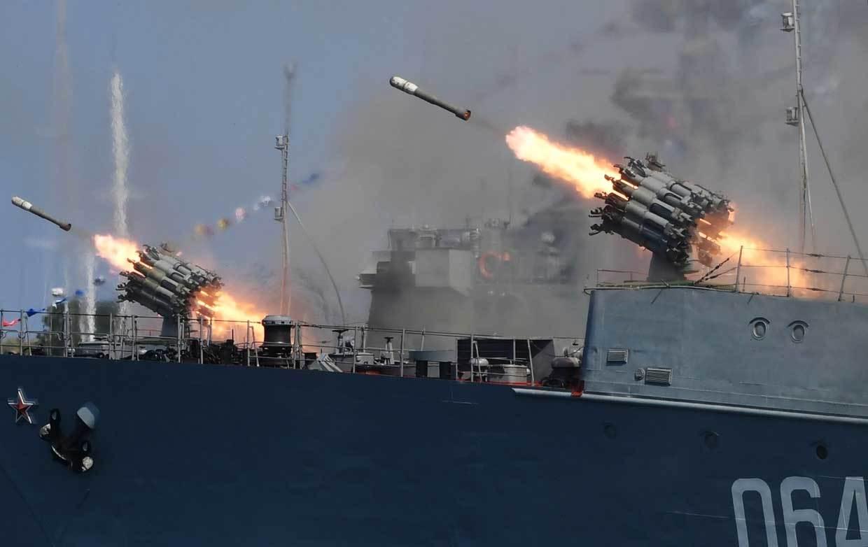 diễu hành,hải quân Nga,tàu ngầm,tàu chiến,vũ khí Nga