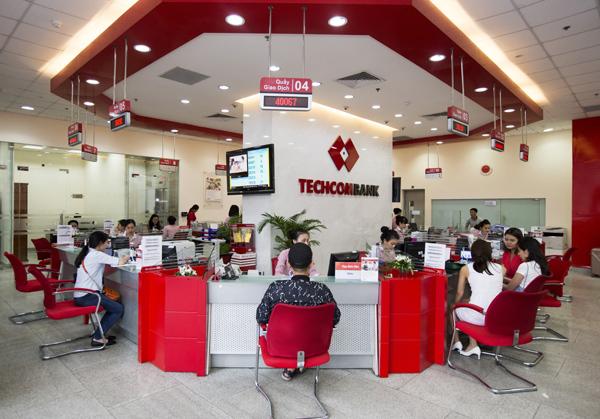 Techcombank báo lãi 'khủng' 6 tháng đầu năm 2019