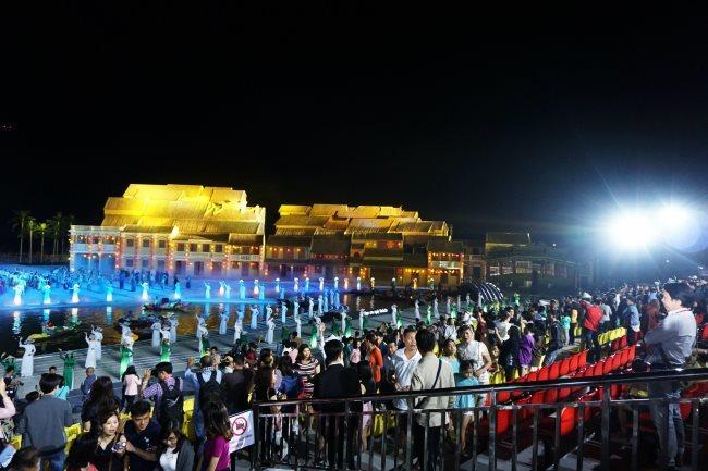 The tourism dilemma in Vietnam,vietnam tourism,vietnam travel,travel news,Vietnam guide,Vietnam tour,travelling to Vietnam,Vietnam travelling,Vietnam travel