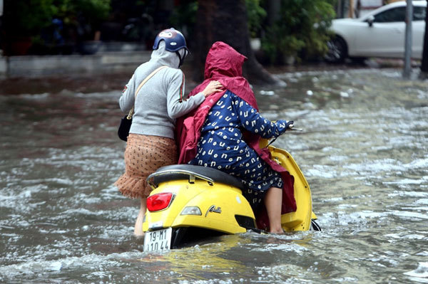 Heavy showers to cool northern Vietnam