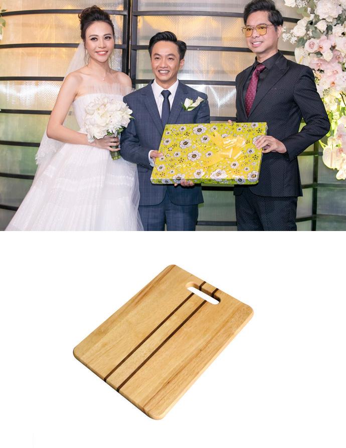 Món quà 'gây bão' Ngọc Sơn tặng đám cưới Cường Đô La - Đàm Thu Trang