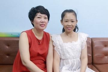 Người mẹ 23 năm đồng hành cùng con gái mắc tan máu bẩm sinh: Tình yêu có thể làm nên điều kỳ diệu