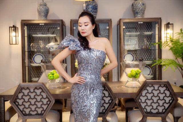 MC Nguyệt Ánh: Phụ nữ hãy xinh đẹp và làm việc chăm chỉ