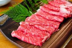 Vì sao thịt bò Wagyu đắt đỏ, có giá hàng triệu đồng mỗi kg?