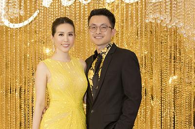 HH Thu Hoài xuất hiện gợi cảm bên bạn trai Việt kiều