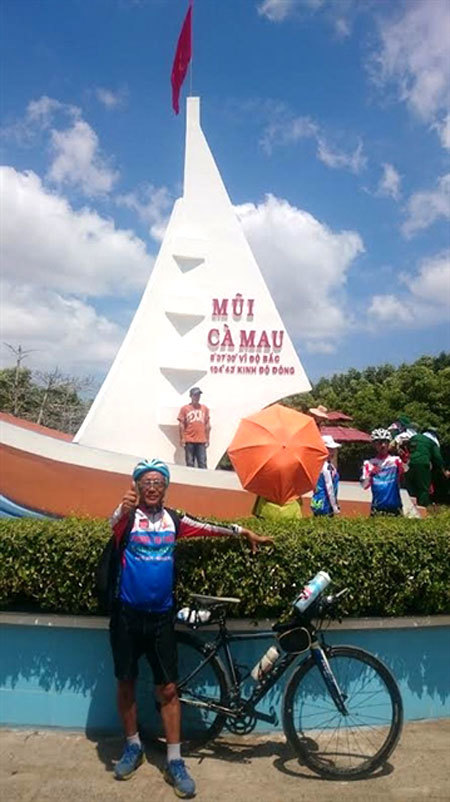 Son La City's Cycling Club,cycled across the country,trans-Viet Nam cycling trip,sports news,Vietnam sports,vietnamnet bridge,english news,Vietnam news,vietnamnet news,Vietnam latest news,Vietnam breaking news,Vietnamese newspaper,Vietnamese newspaper art