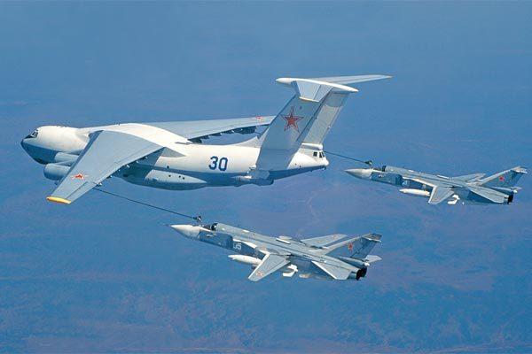 Hình ảnh hiếm về dàn chiến cơ đình đám của Nga