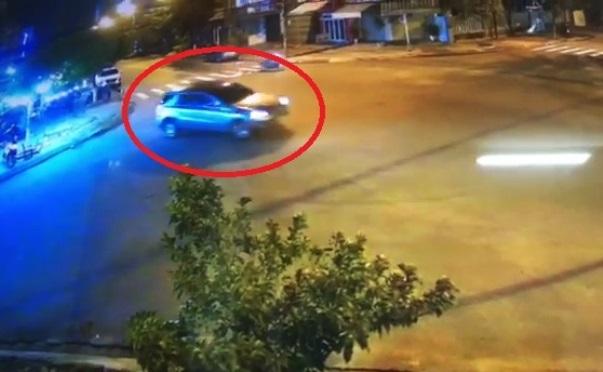 Tài xế lái Mercedes 'làm xiếc' tông vào quán nhậu ở Đà Nẵng bị phạt 17 triệu