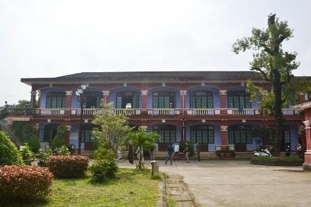 Quoc Hoc Hue - Century Old High School