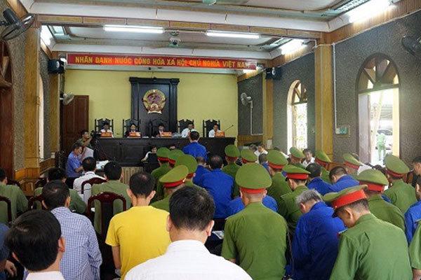 Dàn cựu lãnh đạo Sơn La nhận 57 năm tù giam, 15 năm tù treo