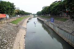 Đâu là sự thật vụ xả nước làm trôi kết quả thí nghiệm ở sông Tô Lịch?