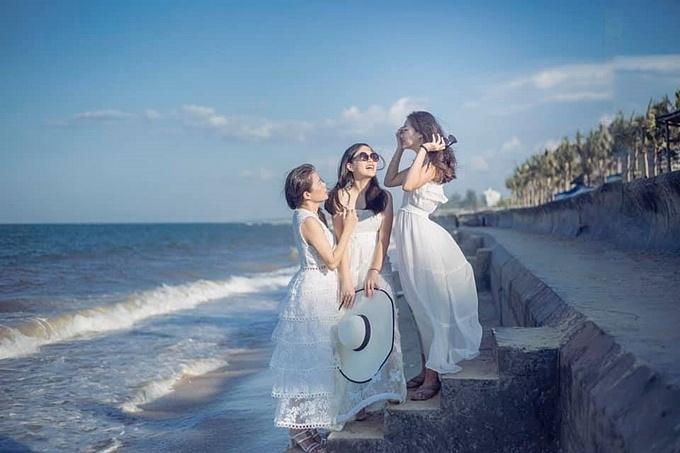 Mỹ Lệ khoe hai con gái xinh xắn, nói được 5 ngoại ngữ