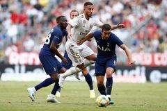 Real Madrid bấn loạn, Zidane phớt lờ thú nhận của Hazard