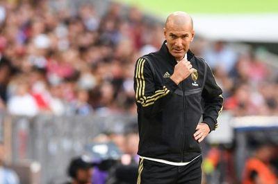 Zidane thề độc, Neymar trả giá đắt về Barca
